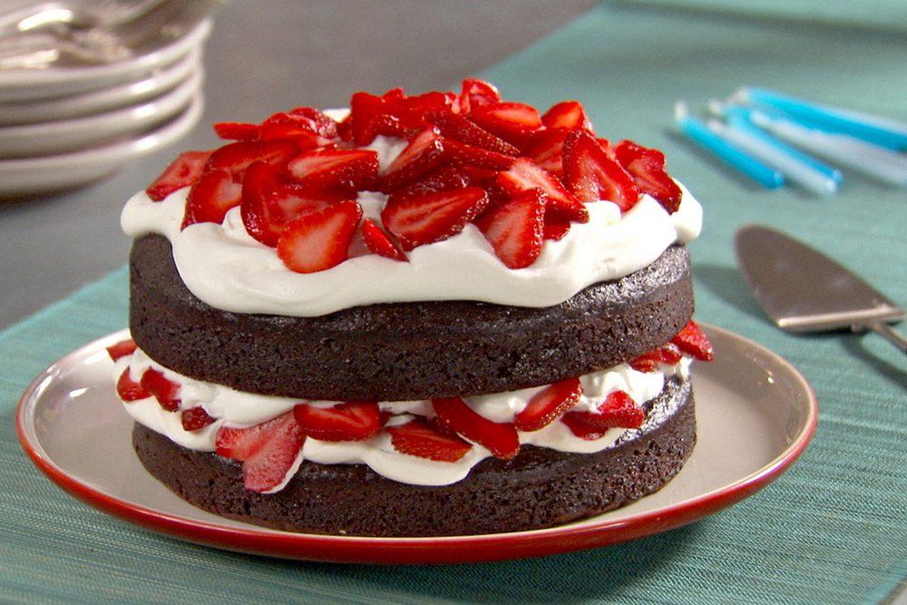 mh_1116_chocolate_cake_1_horiz